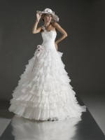 WEDDING DRESS LARGE LINE
